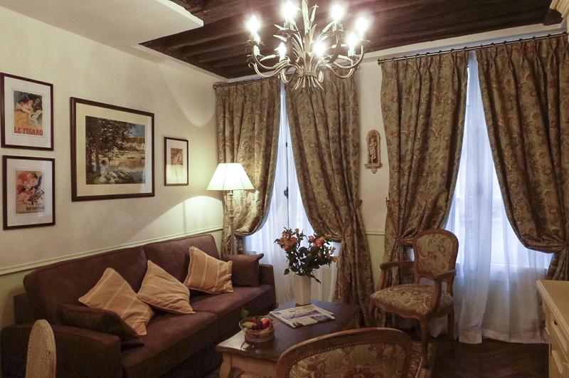 05-le-gourmand-du-maubert-salon-and-sofa-bed-800