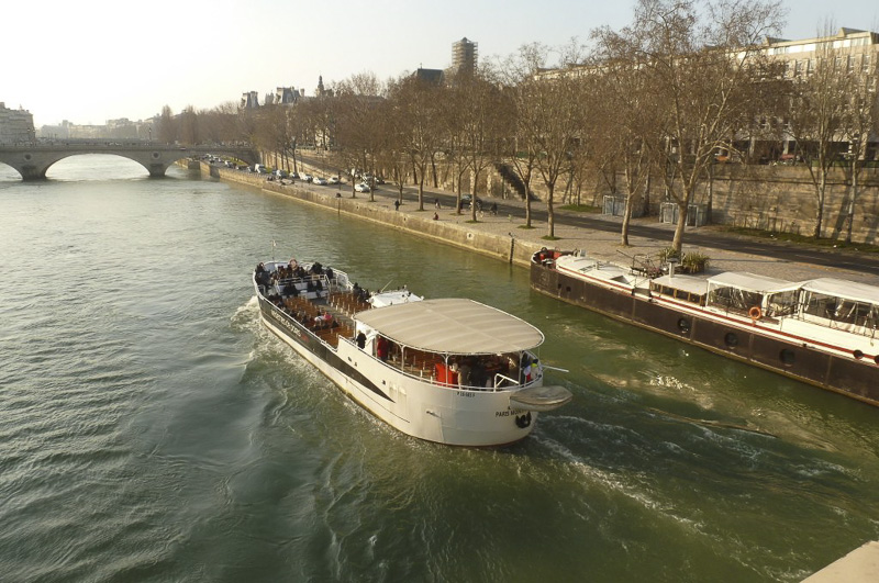 ile-st-louis-and-river-cruie-800