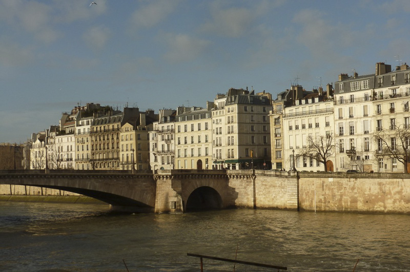 ile-st-louis-directly-opposite-800