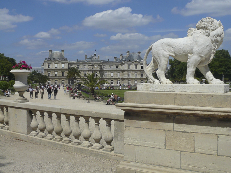luxembourg-palace-and-gardens-800
