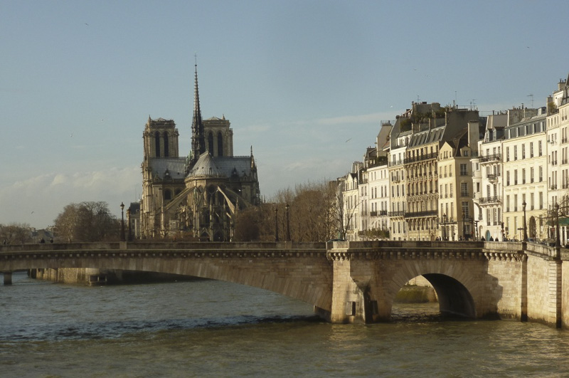 notre-dame-and-ile-st-louis-800