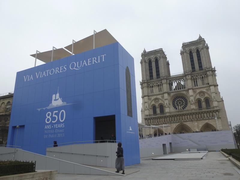 notre-dame-celebrates-850-years-800