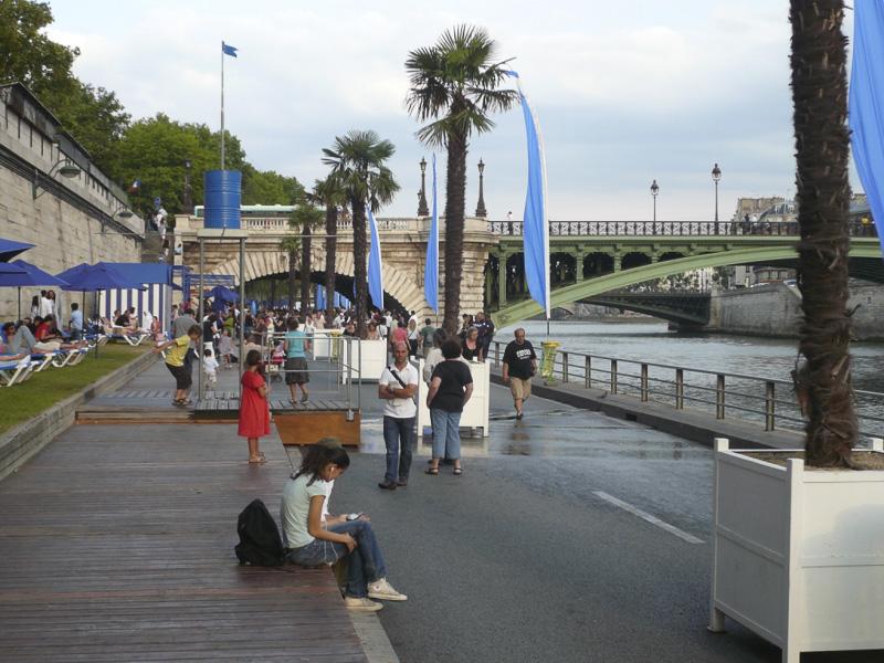 paris-plage-in-august-02-800