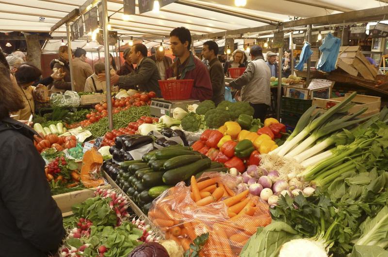 place-maubert-market-02-800