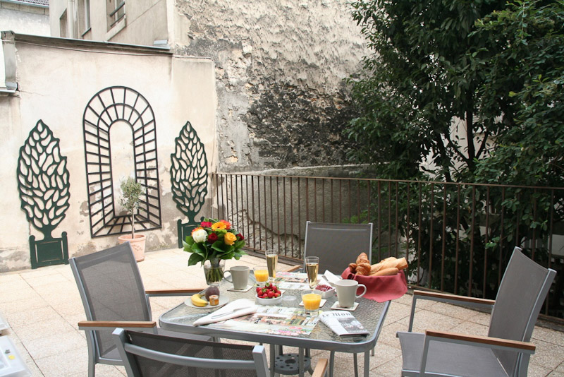 Le-Gourmand-du-Mouffetard-Terrace-01