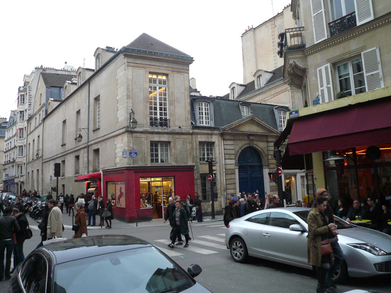 Marais-Street-life